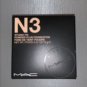 MAC Cosmetics studio fix powder in N3
